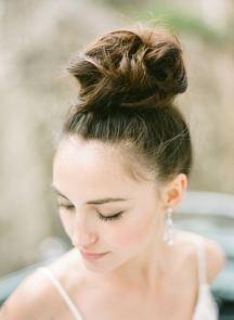 Νυφικο χτενισμα – top knot