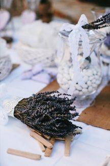 Διακοσμηση γαμου με λεβαντα και δεντρολιβανο