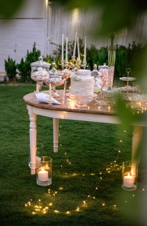 Εντυπωσιακο dessert table