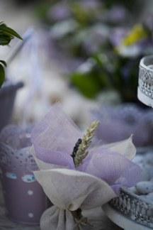 Μπομπονιερα με λουλουδια του αγρου