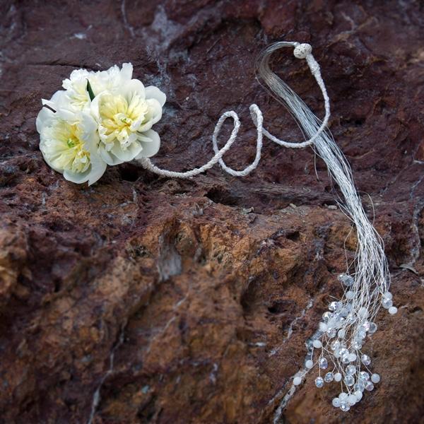 Πρωτοτυπη νυφικη ανθοδεσμη-βραχιολι