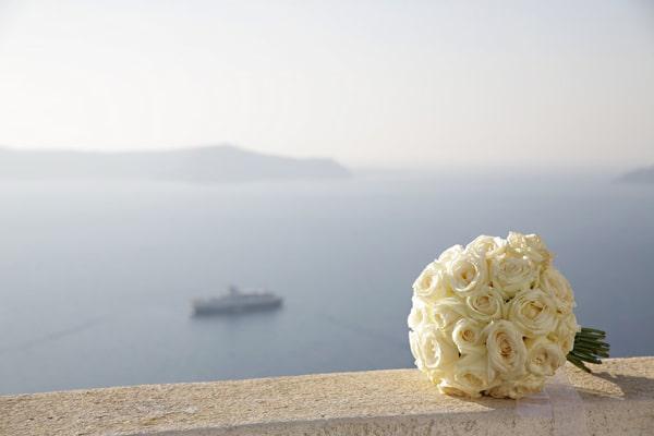 Μπουκετο νυφης με τριανταφυλλα
