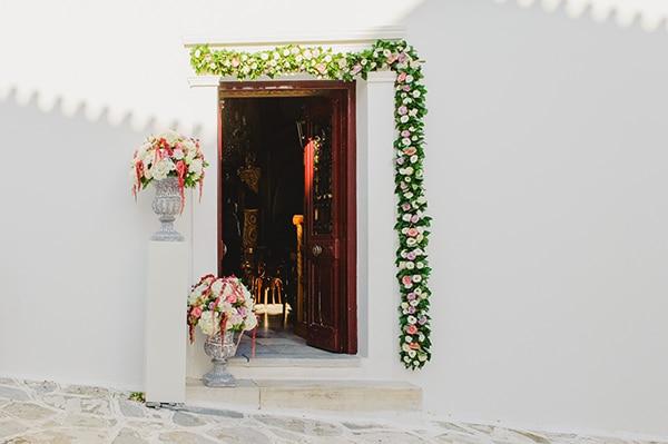Εκκλησια για γαμο στην Τηνο