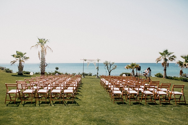 boho-beach-wedding-with-macrame-details-13
