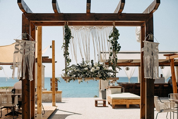 boho-beach-wedding-with-macrame-details-14