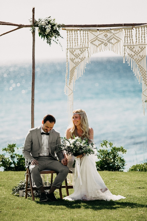 boho-beach-wedding-with-macrame-details-18