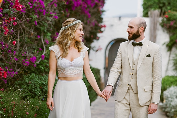 dreamy-wedding-with-bougainvillea-2