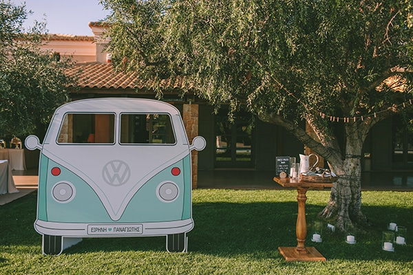 organic-wedding-with-rustic-details-31x