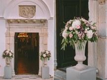 Ρομαντικη διακοσμηση στο χωρο της εκκλησιας
