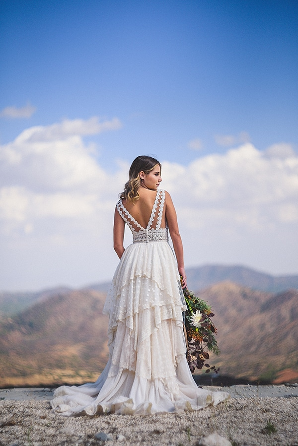 fall-love-stylish-winery-styled-shoot-_03x.