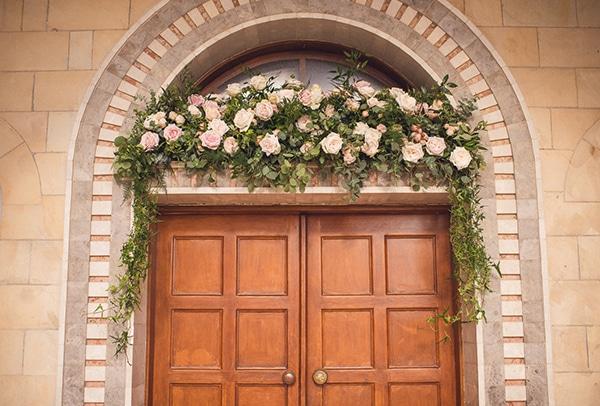 fantastic-ideas-church-entrance-decoration-3.