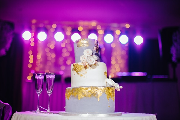 winter-gold-white-tones-wedding_31