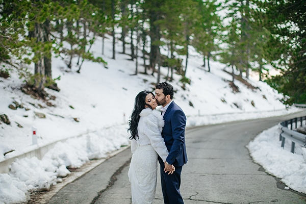 winter-gold-white-tones-wedding_36