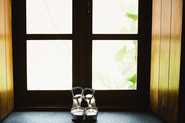 beautiful-white-purple-hues-wedding_05