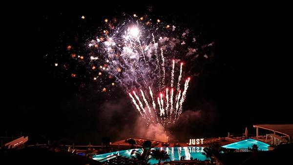 have-spectacular-wedding-fireworks-noe-fireworks_01
