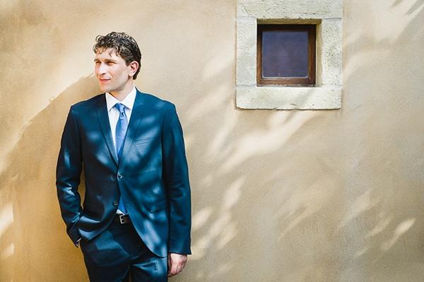 Μπλε κοστουμι γαμπρου
