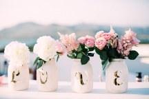 Διακοσμηση γαμου με βαζα λουλουδιων