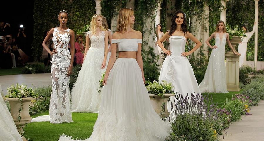 2c5025ecf349 Εντυπωσιακο bridal fashion show με νυφικα Pronovias - Love4Weddings