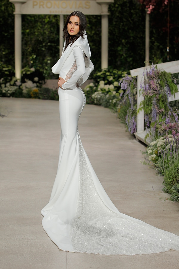 gorgeous-fashion-show-that-mesmerize-us-pronovias-barcelona_03