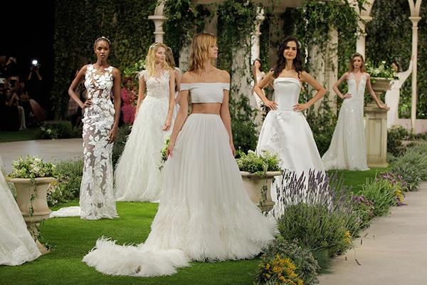 gorgeous-fashion-show-that-mesmerize-us-pronovias-barcelona_17
