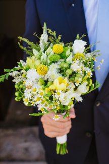 Νυφικη ανθοδεσμη με λουλουδια του αγρου