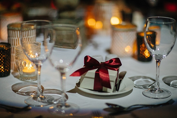 winter-somon-burgundy--wedding_29