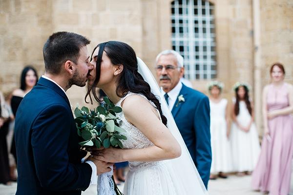 beautiful-wedding-greenery-white-flowers_18