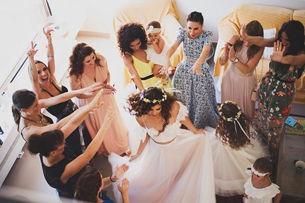 bohemian-wedding-with-pretty-yellow-purple-colors_09