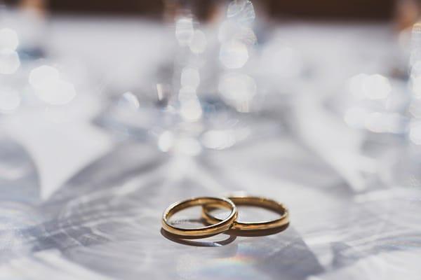 bohemian-wedding-with-pretty-yellow-purple-colors_11x