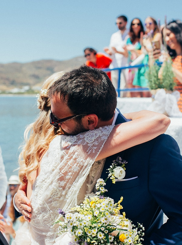 bright-gorgeous-wedding-tinos-island_12