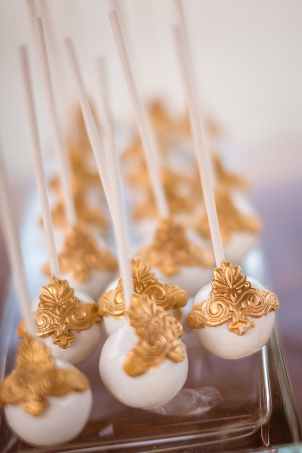 gorgeous-glam-chic-wedding-gold-details_25