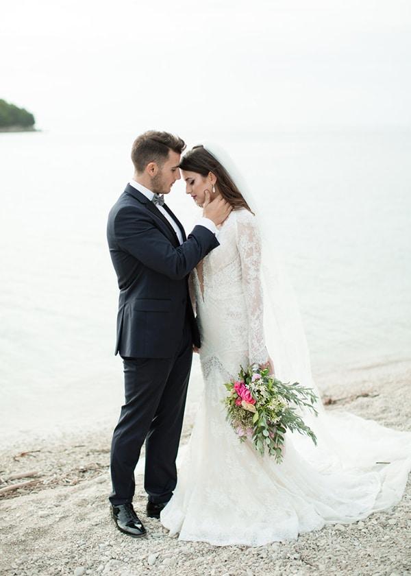 gorgeous-wedding-white-hues_05