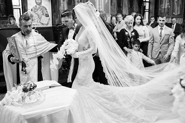 gorgeous-wedding-white-hues_24