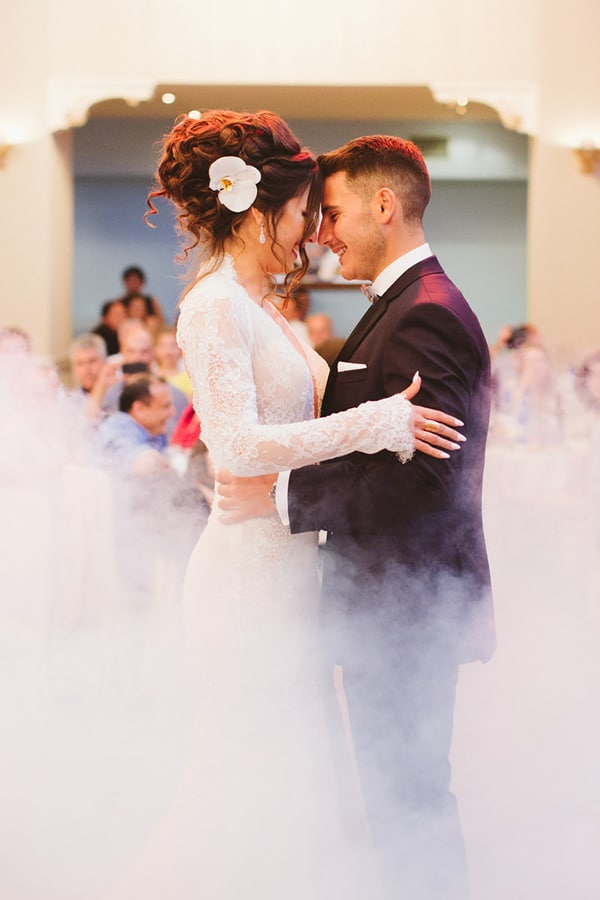 gorgeous-wedding-white-hues_26
