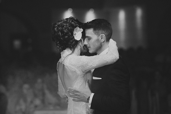 gorgeous-wedding-white-hues_27