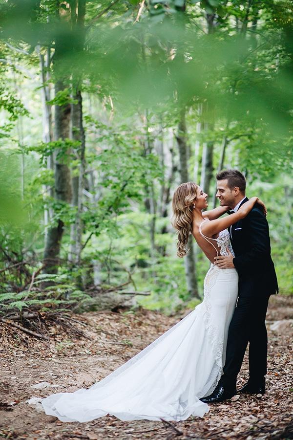 minimal-chic-mountain-wedding-portaria_04x