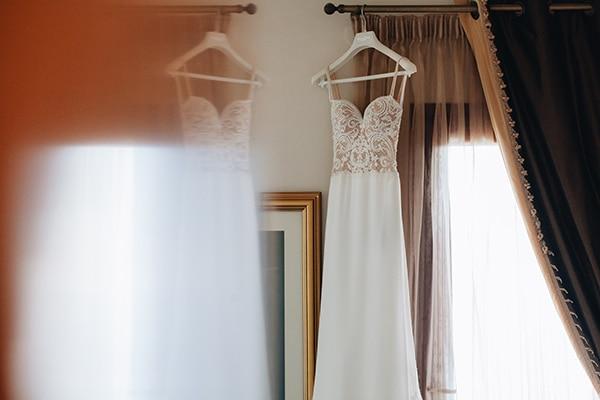 minimal-chic-mountain-wedding-portaria_05