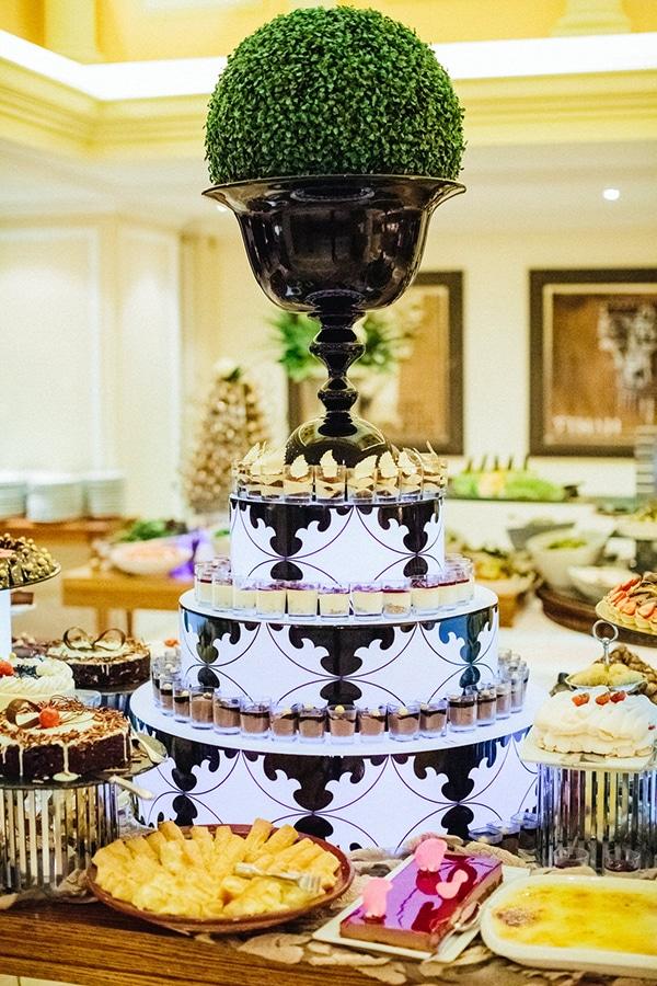 timeless-elegant-hotel-wedding-_31