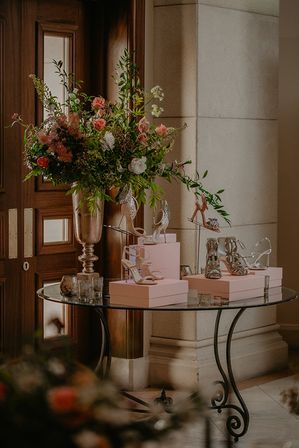 ultimate-romantic-wedding-inspiration-love4weddings-bridal-party_19