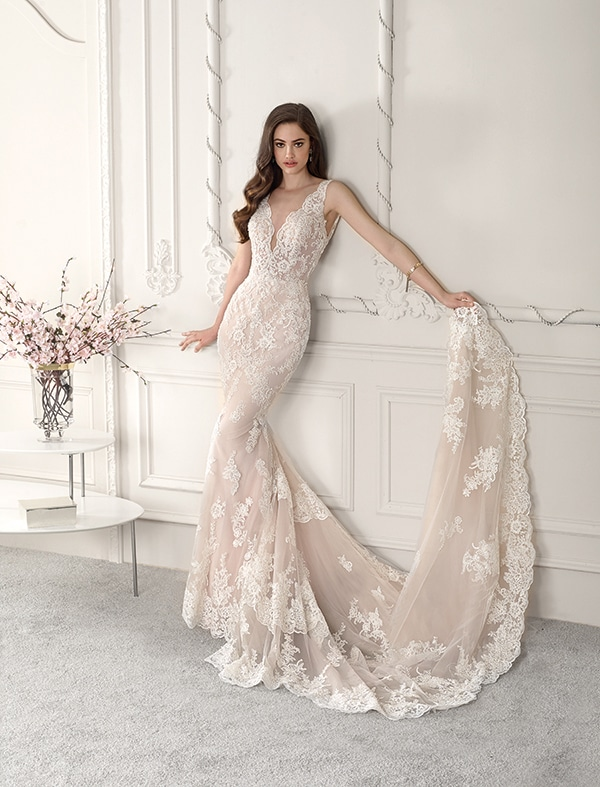 wedding-dresses-with-amazing-details-demetrios-bridal-collection-2019_07