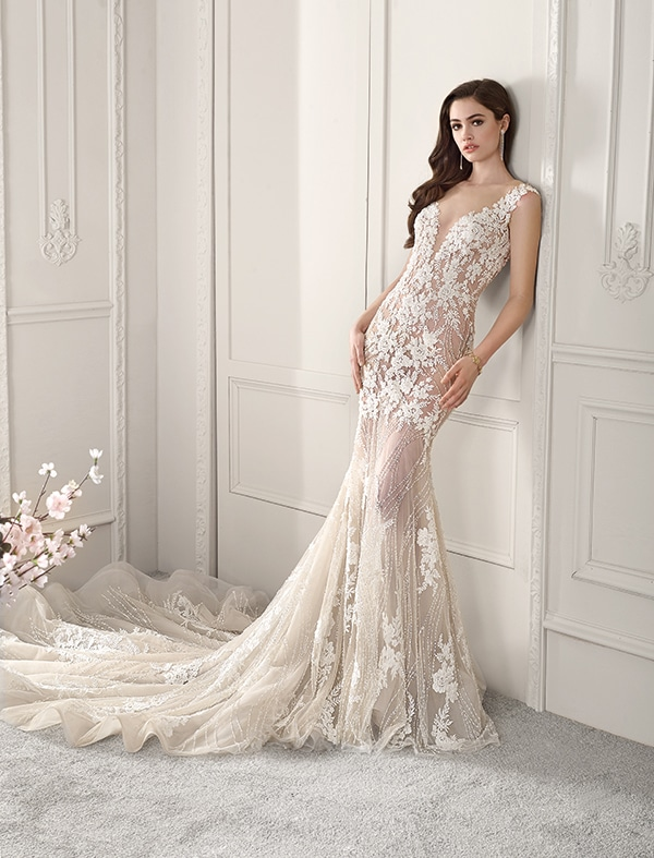 wedding-dresses-with-amazing-details-demetrios-bridal-collection-2019_09