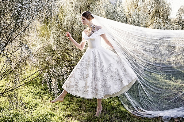 dare-be-different-with-short-wedding-dress_03.