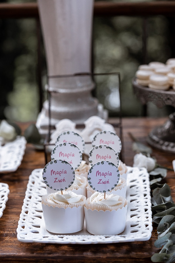 impressive-wedding-dessert-table-ideas_03