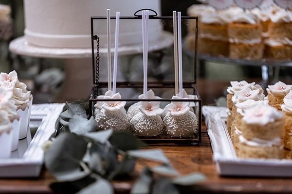 impressive-wedding-dessert-table-ideas_04