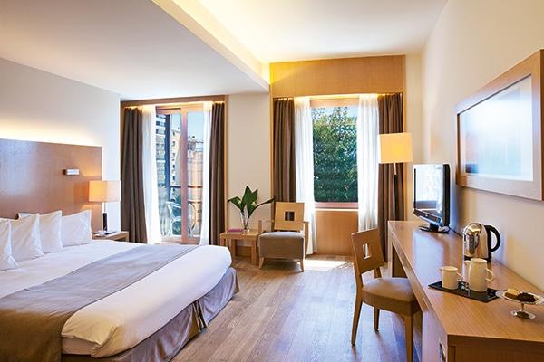 plan-your-dreams-honeymoon-lazart-hotel_03