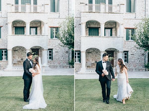 gorgeous-wedding-burgundy-hues_04A
