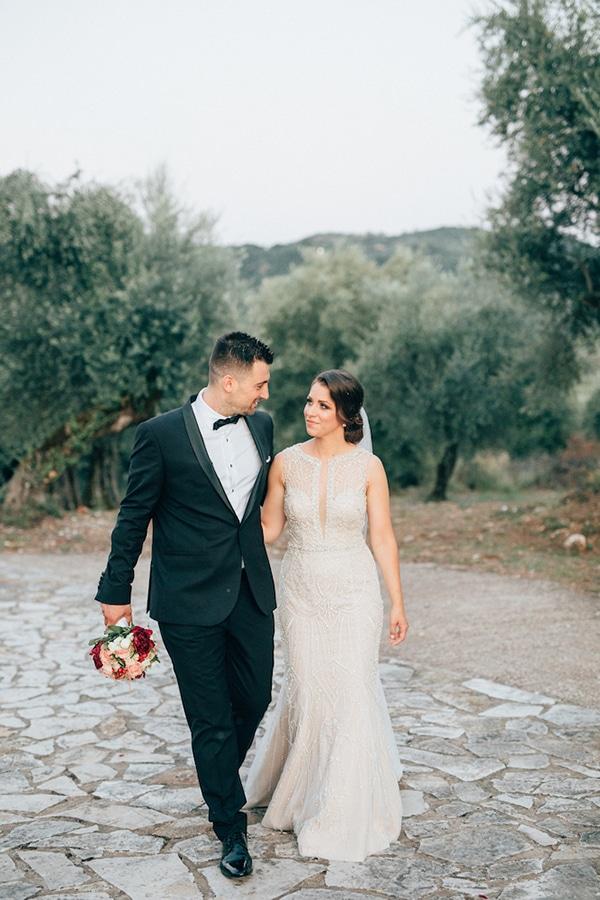 gorgeous-wedding-burgundy-hues_23