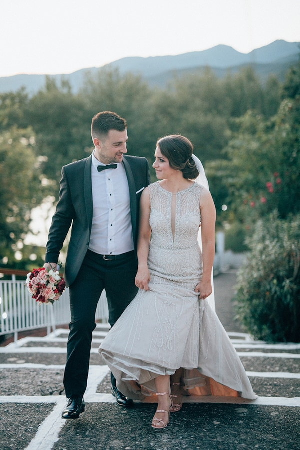 gorgeous-wedding-burgundy-hues_26