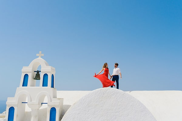 intimate-wedding-minimal-details-santorini_03