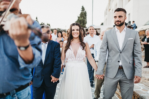 island-wedding-blue-white-hues_16